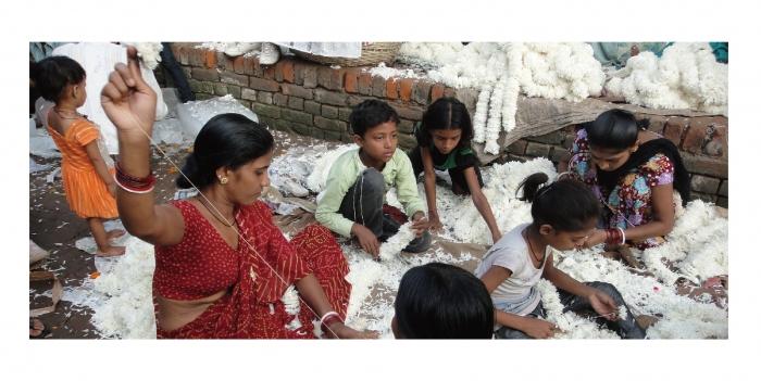 在新德里花市裡探險,挖掘關於鮮花與男人的故事